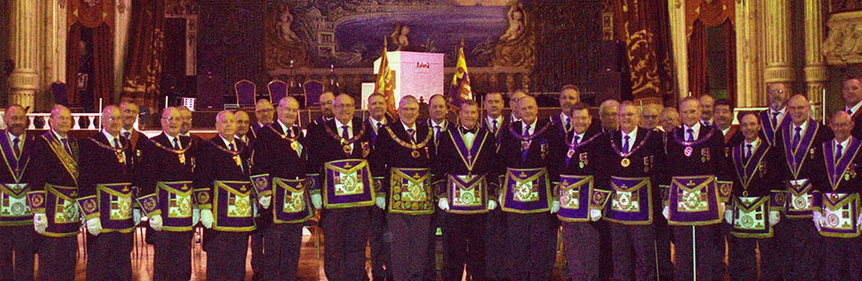 Distinguished brethren with the Provincial team.