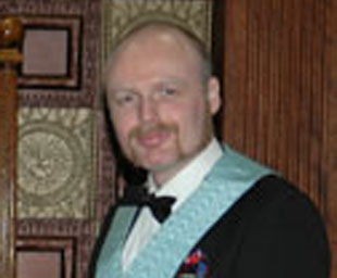 Lee proclaimed master of Longford Lodge