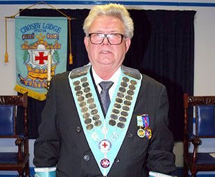 Crosby Lodge installs Andreas as WM