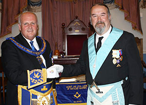 David Winder (left) congratulates Andy Baxendale on attaining the WM's chair.