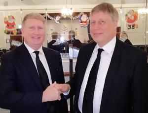 Steve Darlington (left) welcomed by Martin Bos.