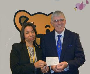 WLFC give Zoё's Place £10,000