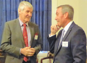 Paul Renton (left) chats to Phillip Summers, WM of City Lodge No 2514