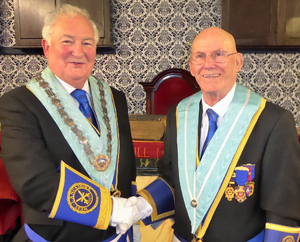 Dave Painter (left) and installing master Jim Gwyther.