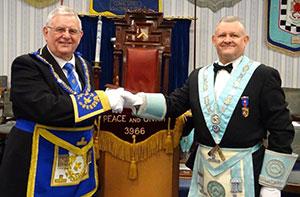 Stewart Seddon (left) congratulates Paul Cummings.