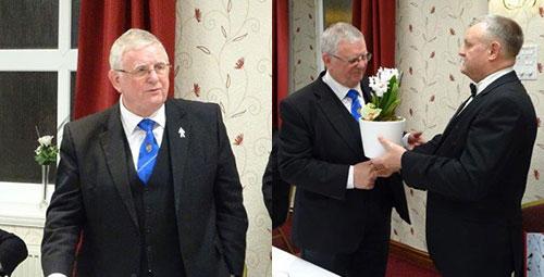 Steward Seddon (left) receives flowers for his wife from Paul Cummings.