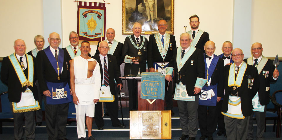 The two WMs are pictured with members of their lodges.