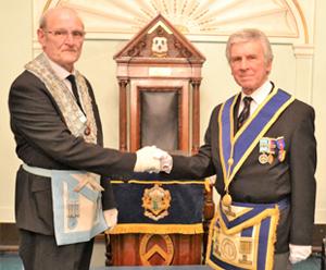 WM John Lewis (left) congratulated by IPM Tony Green