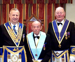 Tarleton Lodge welcomes Peter at installation