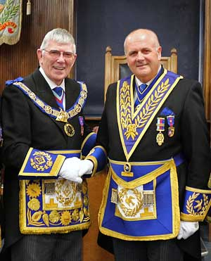 Tony (left) thanks David for his Masonic contribution to the Province.