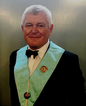 Ian Parker, the new WM of Heber Lodge.