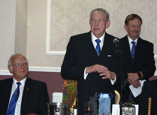 Alan responds at the festive board, with David Ogden (left) and Paul Hesketh (rear).