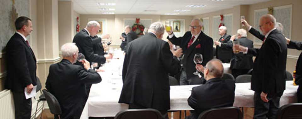 The visitors toast from Corinthian Chapter members.