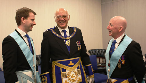 David Ogden (centre) chats with Jonathon Lever (left) and new WM Neil Whittle (right).