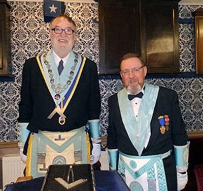 Peter Duggan (left) with Roger Philips.