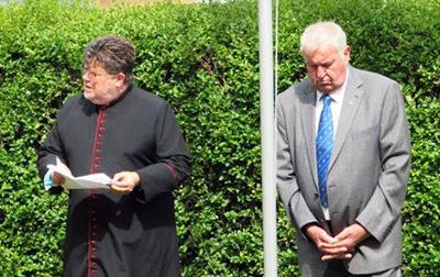 Rev. Canon John Hall (left) and Rodney Greenall.